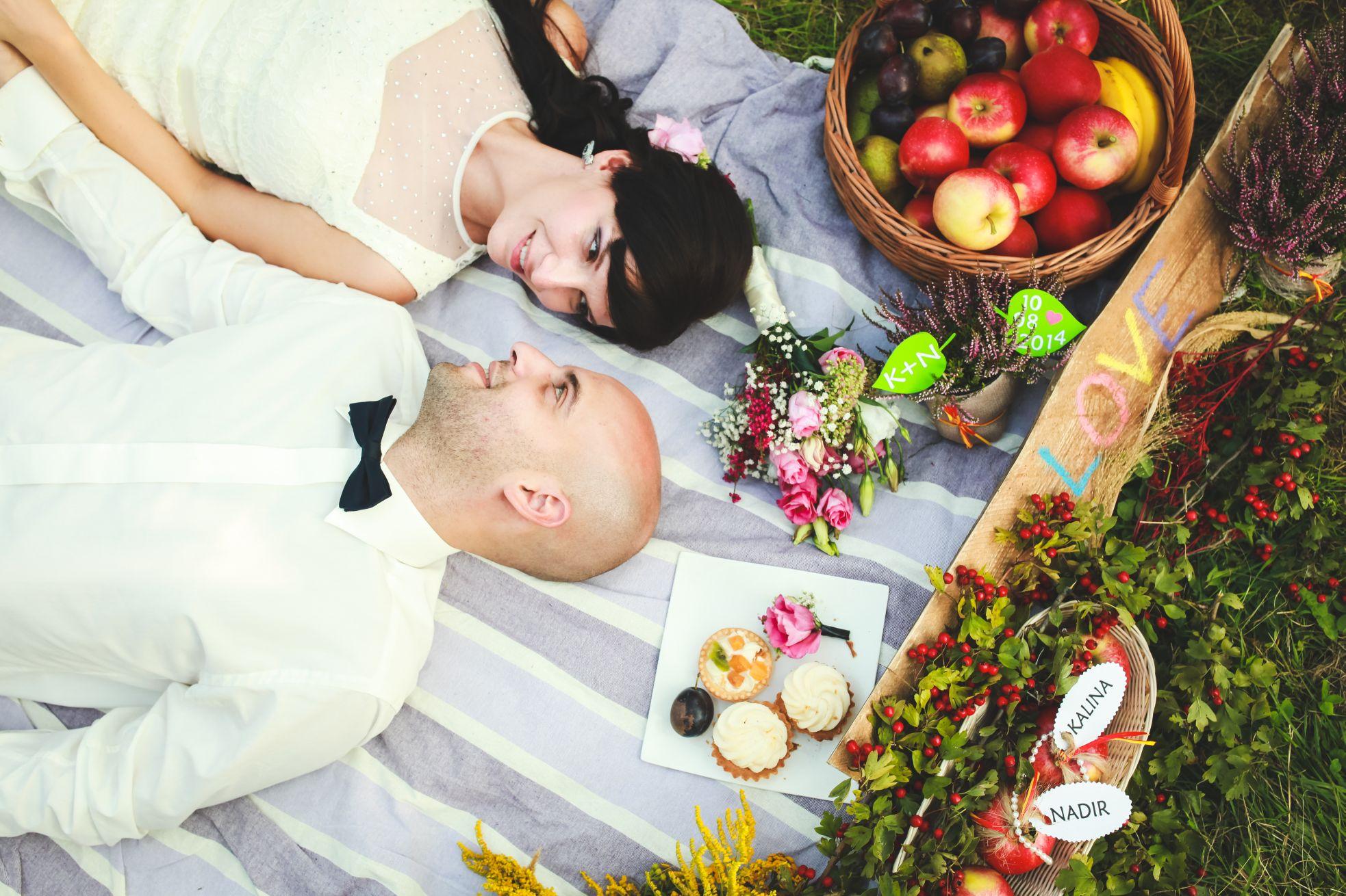 11 Fotograf ślubny Katowice plener poslubny w sadzie