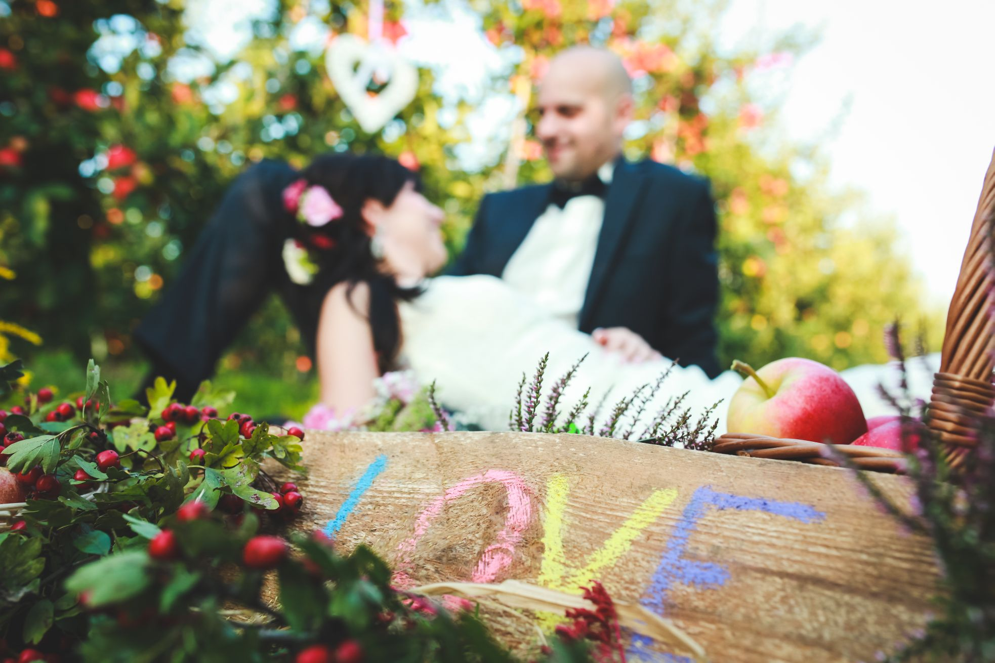 12 Fotograf ślubny Katowice plener poslubny w sadzie