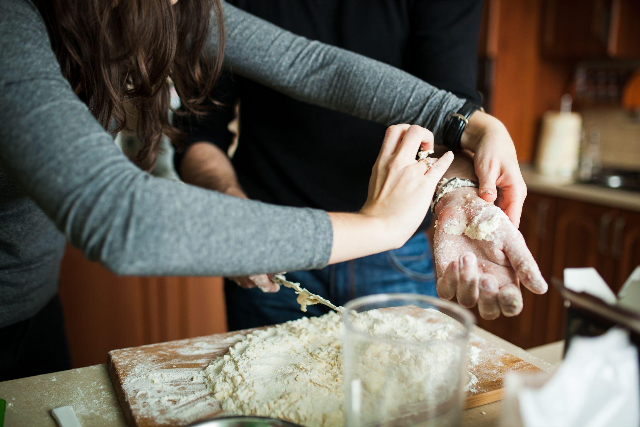 Sesja narzeczenska w kuchni (2)