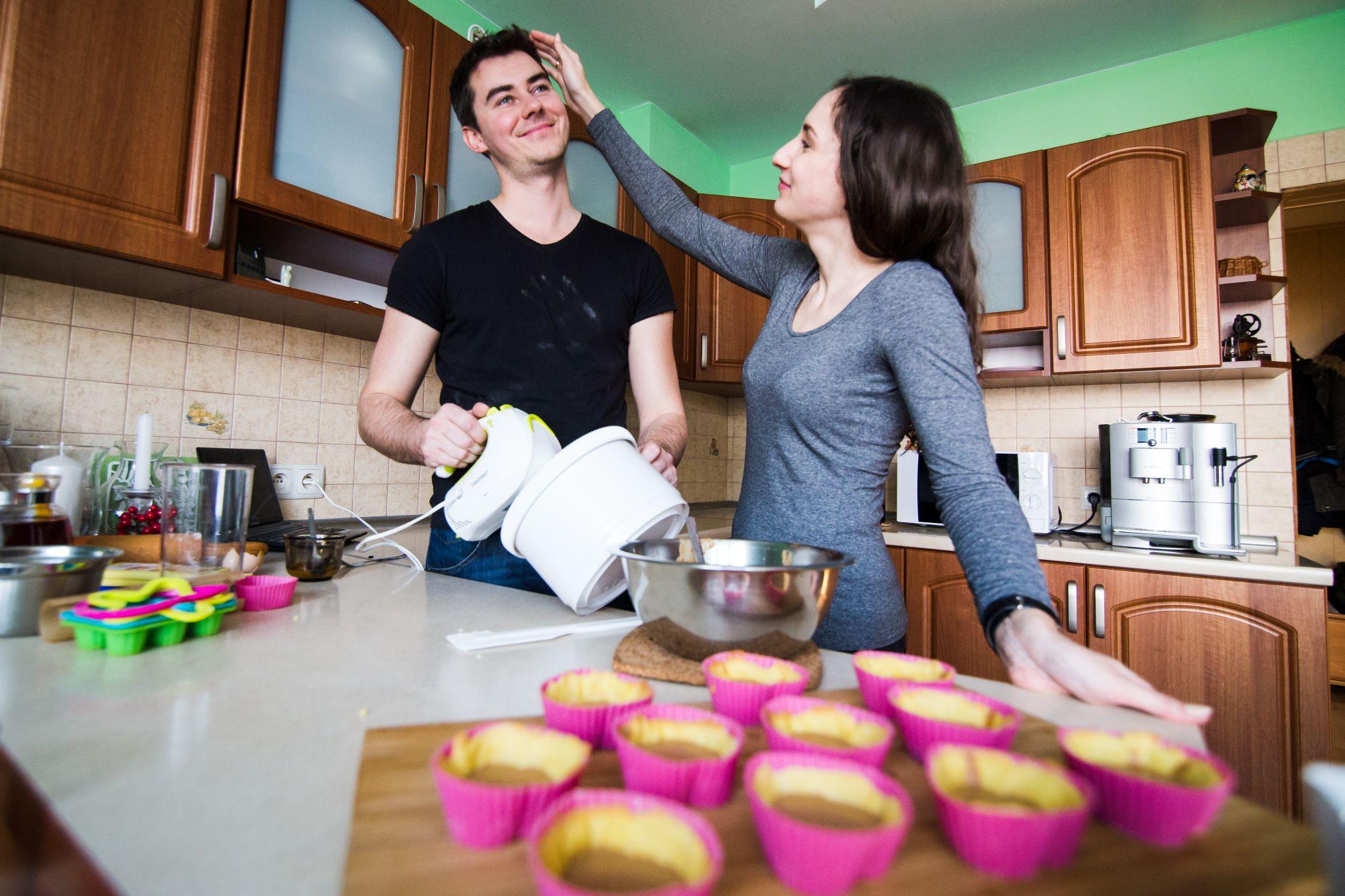 Sesja narzeczenska w kuchni (24)
