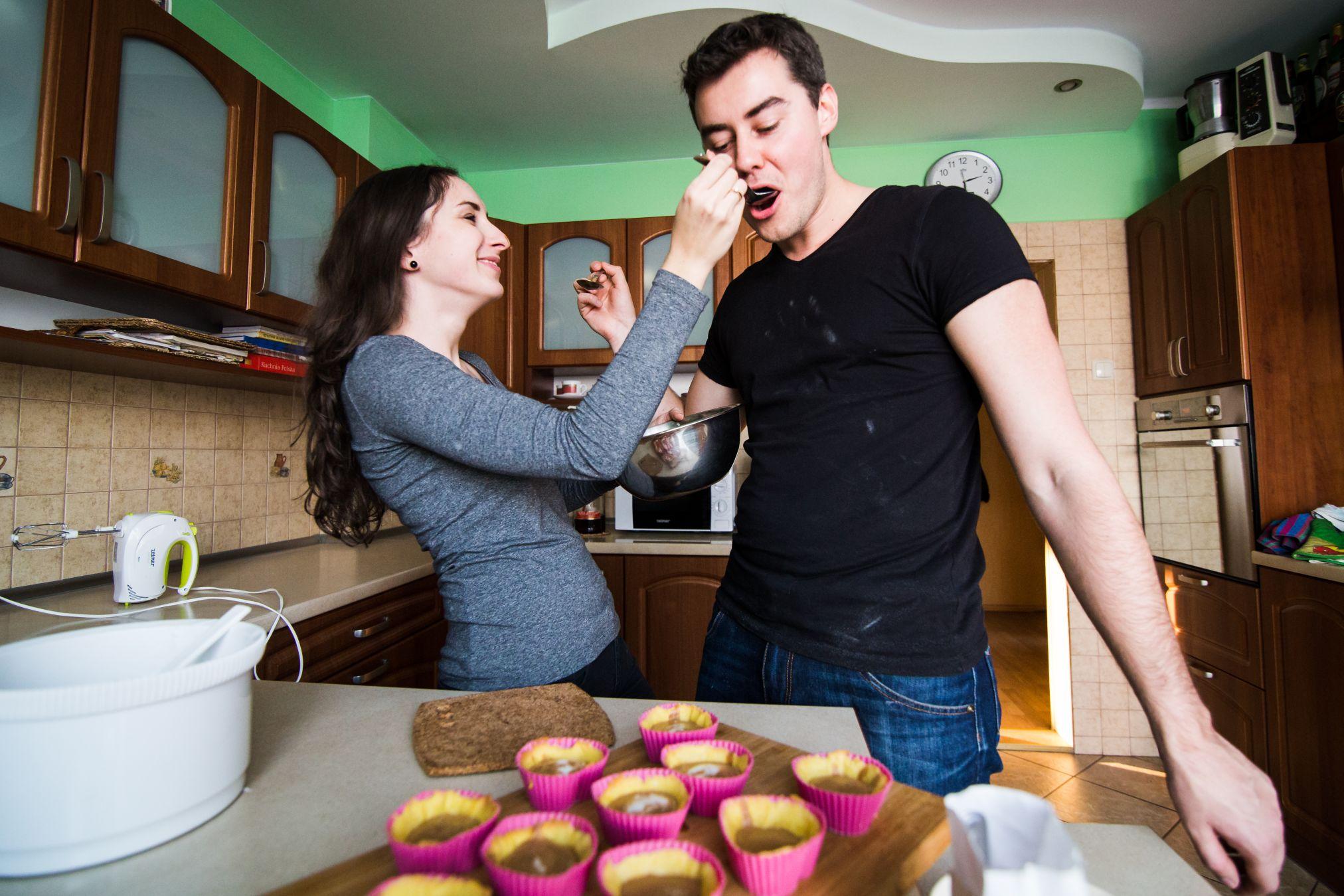Sesja narzeczenska w kuchni (25)