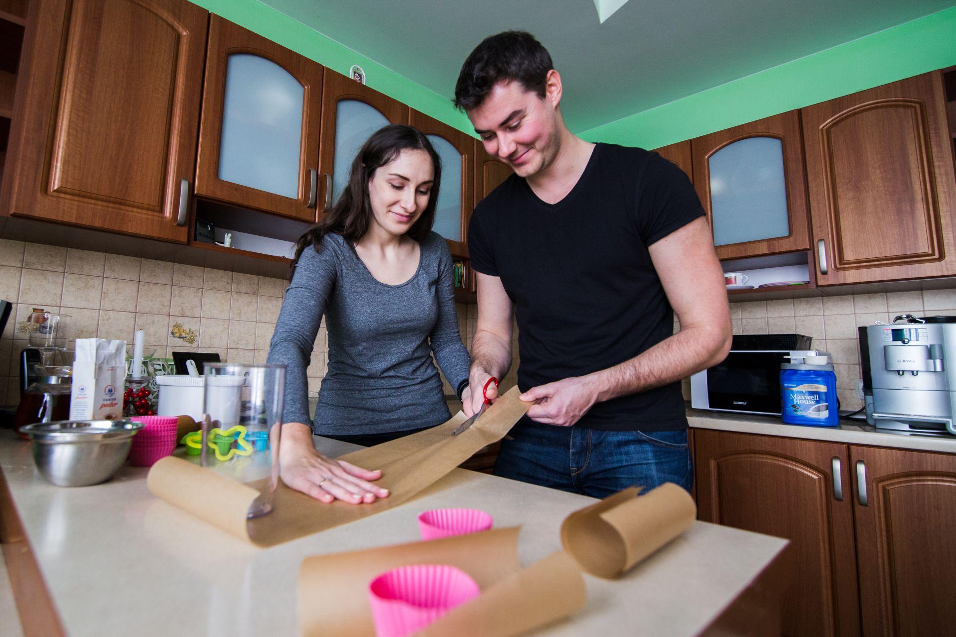 Sesja narzeczenska w kuchni (8)