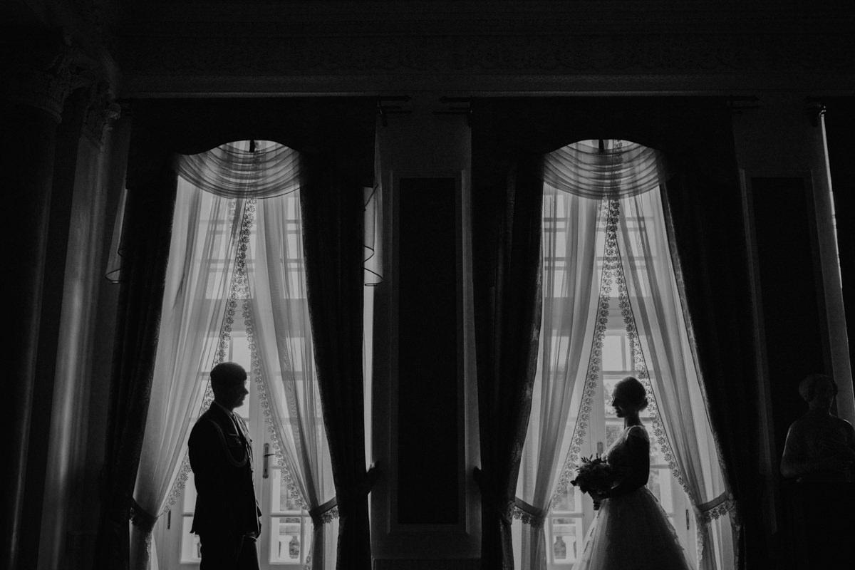 Plener poślubny w pałacu w krakowie